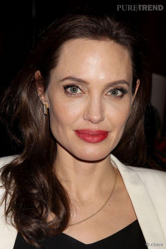 Angelina Jolie continue d'affirmer son engagement à travers le monde.