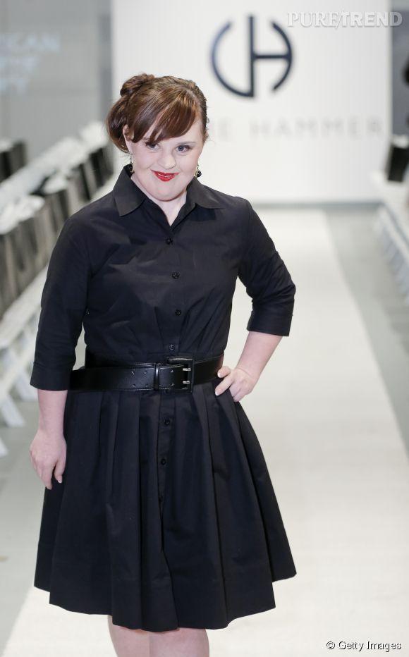 L'actrice Jamie Brewer a défilé hier à la Fashion Week de New York.