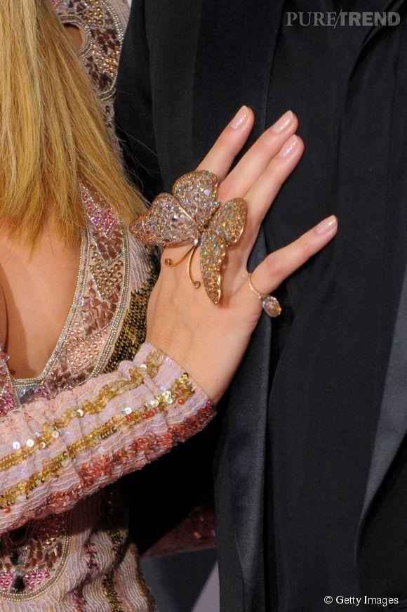 Heidi Klum porte une impressionnante bague Lorraine Schwartz.