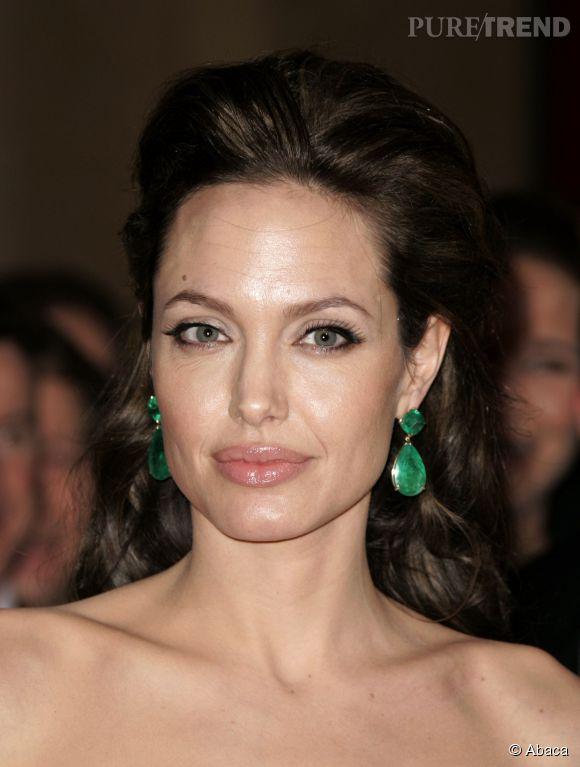 Angelina Jolie aussi aime les créations de Lorraine Schwartz.