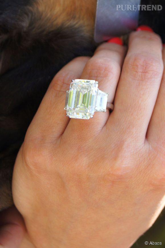 La bague de fiançailles Lorraine Schwartz offerte par Kris Humphries à Kim Kardashian.