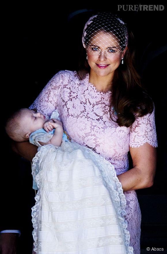 Madeleine de Suède et sa fille Leonore, quelques jours après sa naissance.