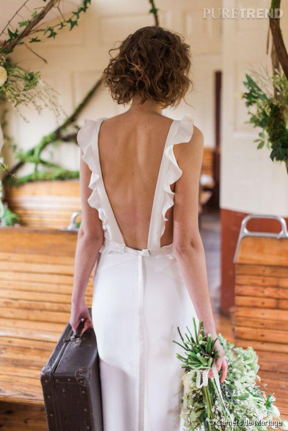 """""""Sweet Escape"""", la nouvelle collection de Carnets de Mariage. Coup de coeur pour cette robe dos nu aux volants très romantiques."""