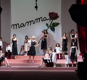 """Fashion week : l'enfant, nouvel """"accessoire"""" des défilés de mode ?"""