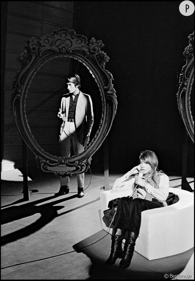François Hardy et Françoise Hardy sur un plateau de télévision en 1967.