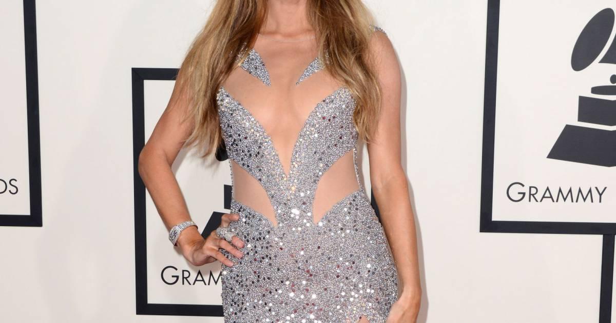 Paris Hilton Excelle Dans L 39 Art De Se Mettre Nue Sur Tapis