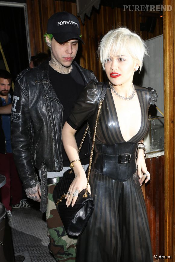 Rita Ora et son boyfriend de sortie à Los Angeles le 3 mars 2015.