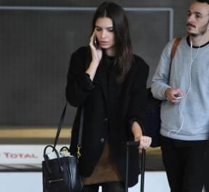 Emily Ratajkowski : le look casual et féminin en manteau oversized...à copier