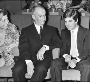 """Louis, Jeanne et Olivier de Funès lors de la première de """"Le gendarme se marie"""" en 1968."""