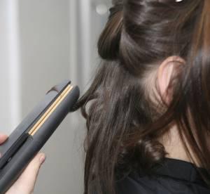 Se coiffer au lisseur : 5 erreurs à éviter