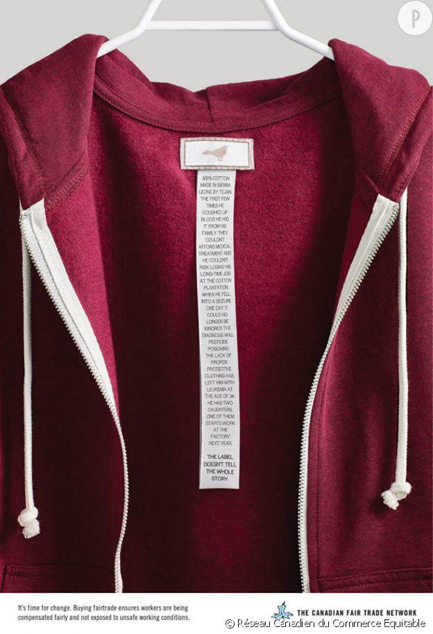 Des étiquettes racontent l'histoire des ouvriers du textile, à l'autre bout du monde.