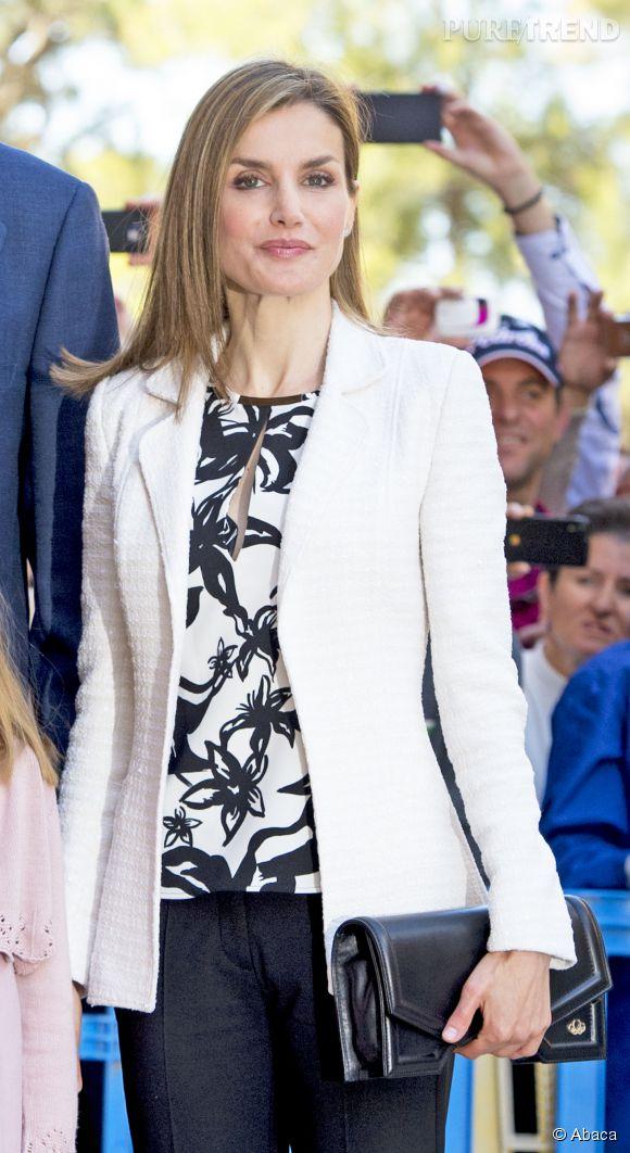 Comme toujours, la reine d'Espagne a fière allure.