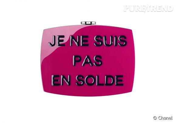 Minaudière Chanel en plexiglas, prix sur demande.