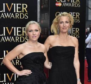 Gillian et sa fille se ressemblent comme deux gouttes d'eau.