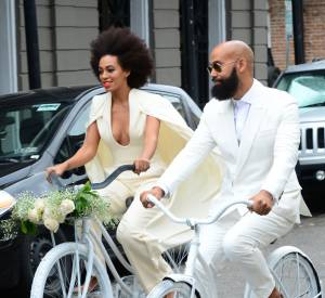 La soeur de Beyoncé, Solange Knowles, a choisi de venir en vélo à son mariage au côté de son futur mari Alan Ferguson.