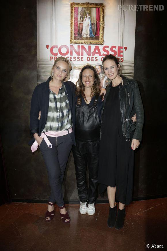 """Camille Cottin a pris la pose avec Eloïse Lang et Noémie Saglio, auteurs et réalisatrices de """"Connasse, princesse des coeurs""""."""