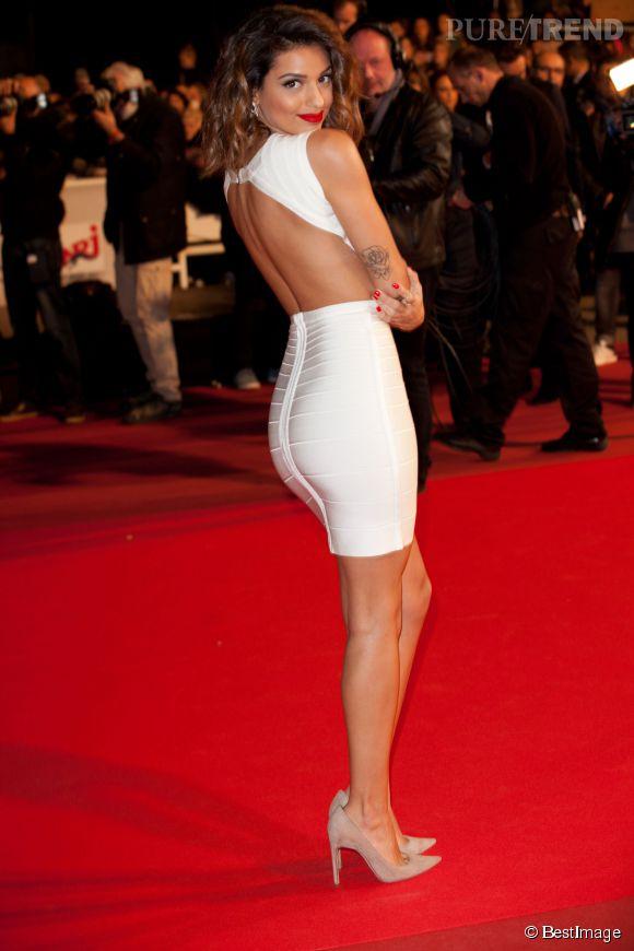 Tal sexy en robe sur tapis rouge autant qu'en bikini.