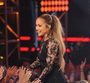 "Jennifer Lopez en robe transparente, elle clôture ""American Idol"" en beauté"