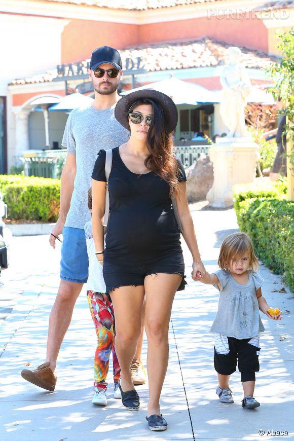 Kourtney Kardashian aurait pris trop de kilos, selon son