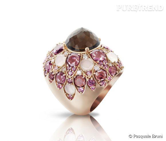 """Pasquale Bruni    Bague """"Lady Taj"""" en or rose pavage milky quartz, saphirs roses, diamants, rhodolites et cabochon """"turban"""" en quartz fumé.   Prix sur demande."""