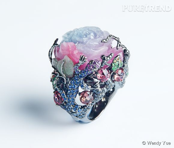 "Wendy Yue  Bague ""Misty Rose"" en or blanc, jade, tourmalines, diamants noirs, saphires bleus, saphires roses, saphirs jaunes, diamants gold, tsavorites, diamants blancs.   Prix sur demande."