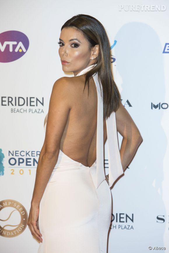 Eva Longoria était habillée d'une robe très sexy.