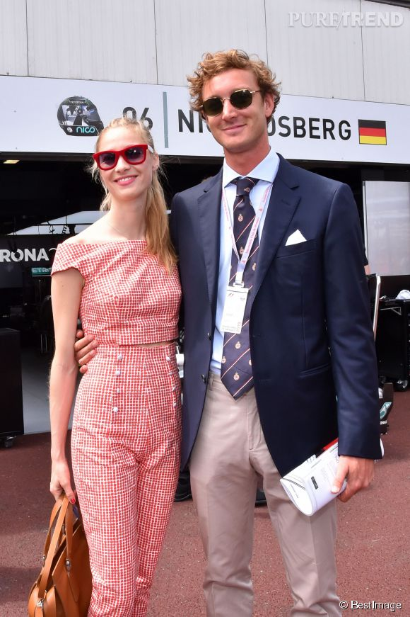 Pierre Casiraghi et Beatrice Borromeo, couple rayonnant au Grand Prix de Monaco.
