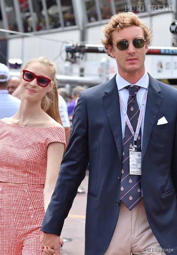Pierre Casiraghi et Beatrice Borromeo, un couple amoureux, complixes et tellement looké au Grand Prix de formule 1 de Monaco, le 24 mai 2015.