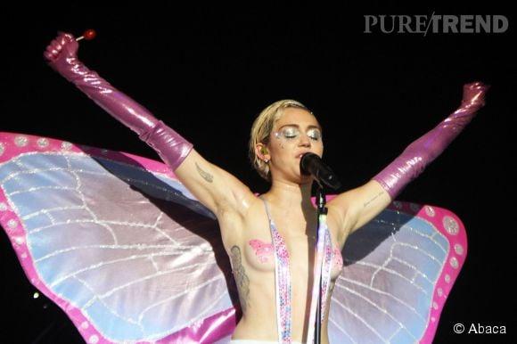 Miley Cyrus poste des photos très étranges sur Instagram.