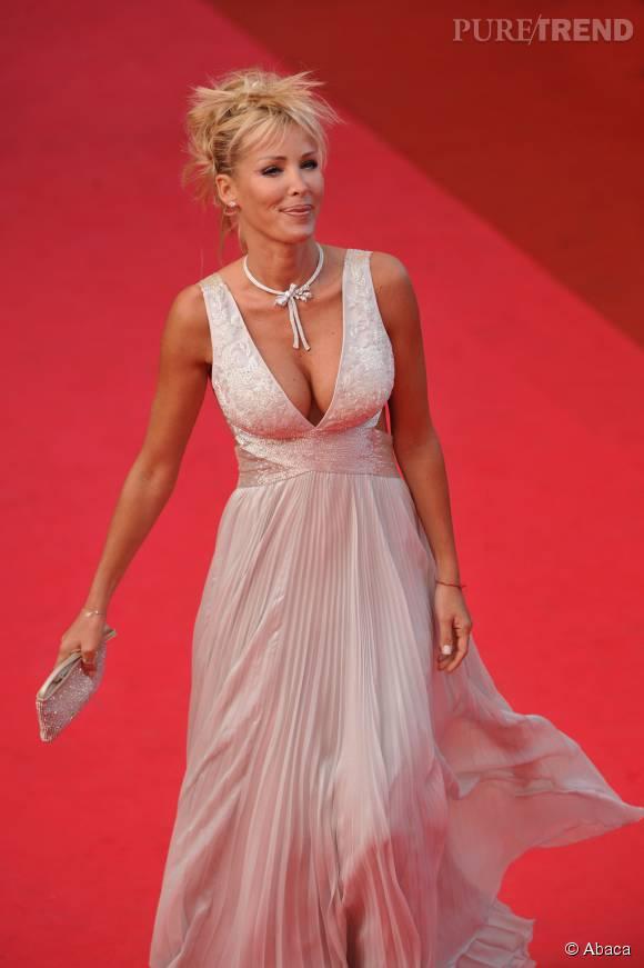 Le décolleté d'Ophélie Winter (ici au Festival de Cannes 2008) ? Un atout charme incontestable.