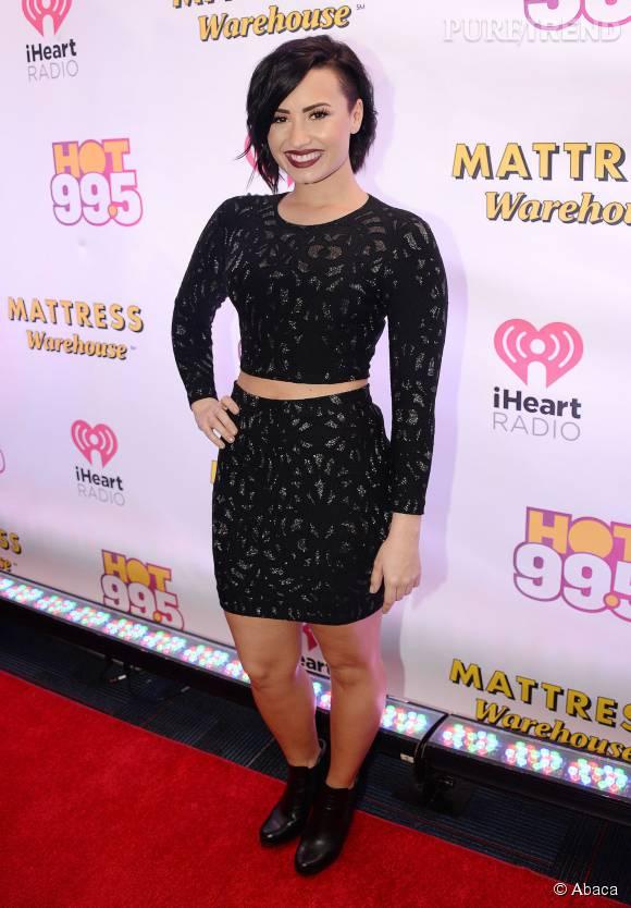 """Demi Lovato est en pleine promotion de son nouveau single """"Cool For The Summer""""."""