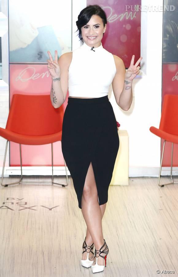 Demi Lovato s'affiche de plus en plus sexy sur les réseaux sociaux.