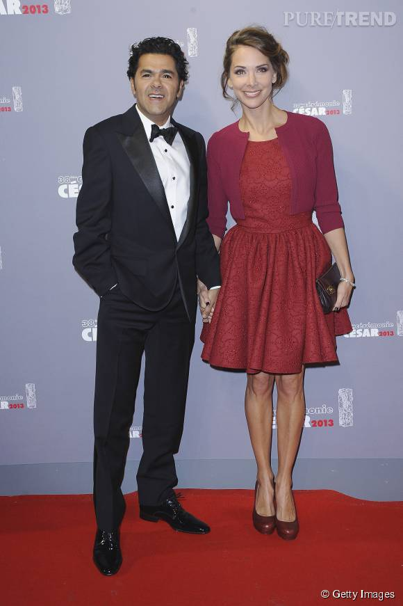 Melissa Theuriau enflamme le red carpet avec cette robe rouge.
