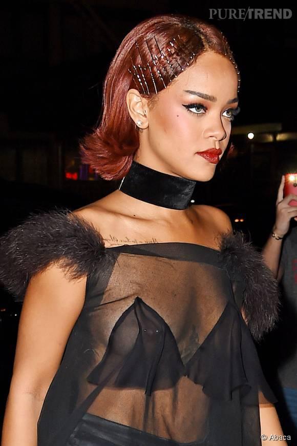 Rihanna mise souvent sur des cheveux rouges pour donner du caractère à son look. A copier !