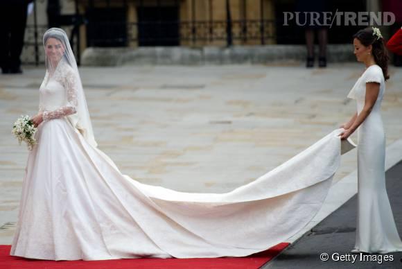 Kate Middleton a choisi une robe Alexander McQuenn pour son mariage.