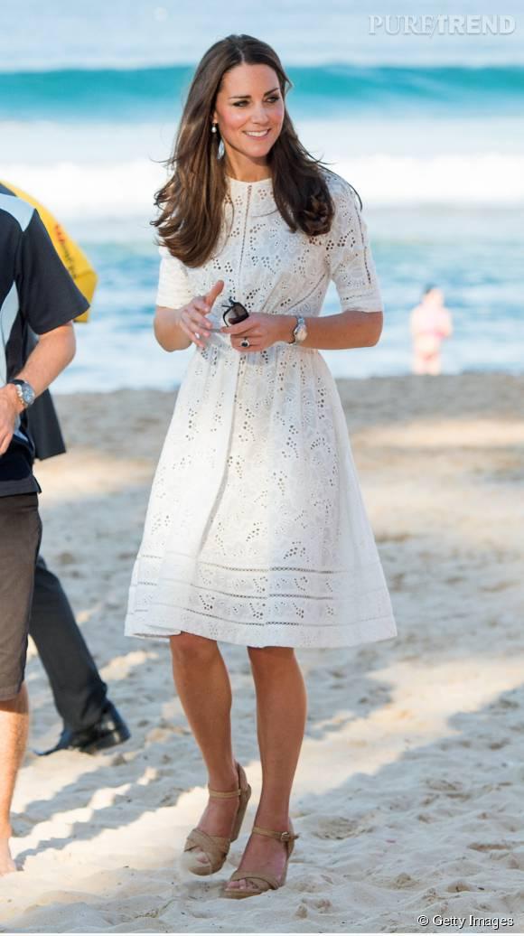Kate Middleton est adepte des robes blanches.