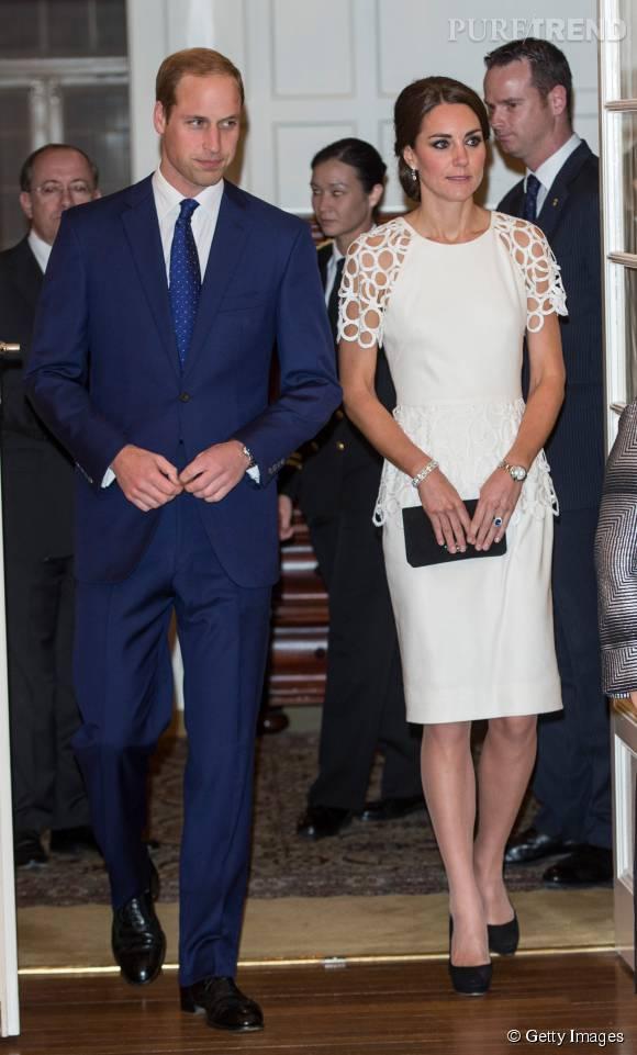 Kate Middleton sompteuse dans cette robe blanche aux côtés de son mari, le prince William.