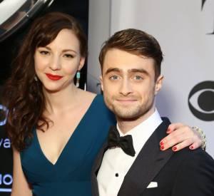 Daniel Radcliffe et Erin Darke aux Tony Awards en juin 2014. Les amoureux seraient même fiancés !