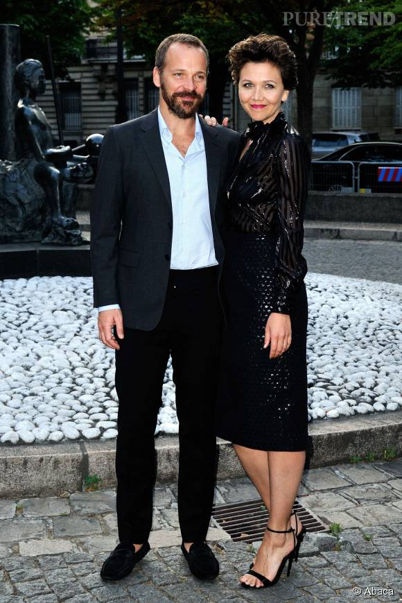 Depuis 2002, Maggie Gyllenhaal est en couple avec l'acteur Peter Sarsgaard.