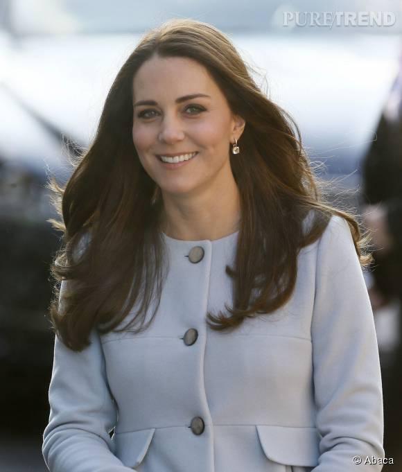 La reine contrôle l'apparence de Kate Middleton, à commencer par ses cheveux et ses sourcils.