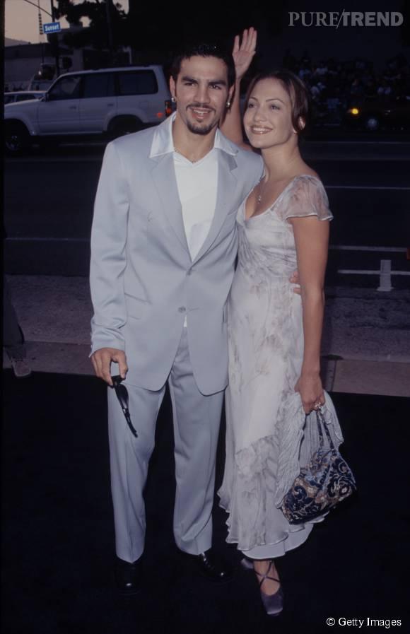 Jennifer Lopez et son premier mari, Ojani Noa. Ils ont été mariés de février 1997 à janvier 1998.