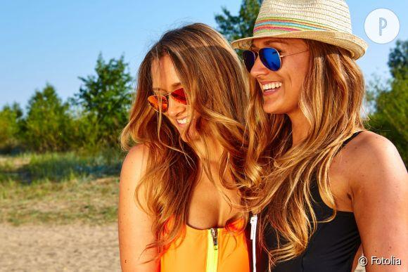 Vous avez fait une couleur avant de partir au soleil ? Misez sur les soins pour cheveux colorés pour l'entretenir !