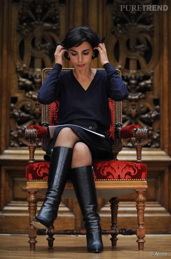 Bottines montantes, robe à décolleté en V, Rachida Dati était l'atout chic du gouvernement.