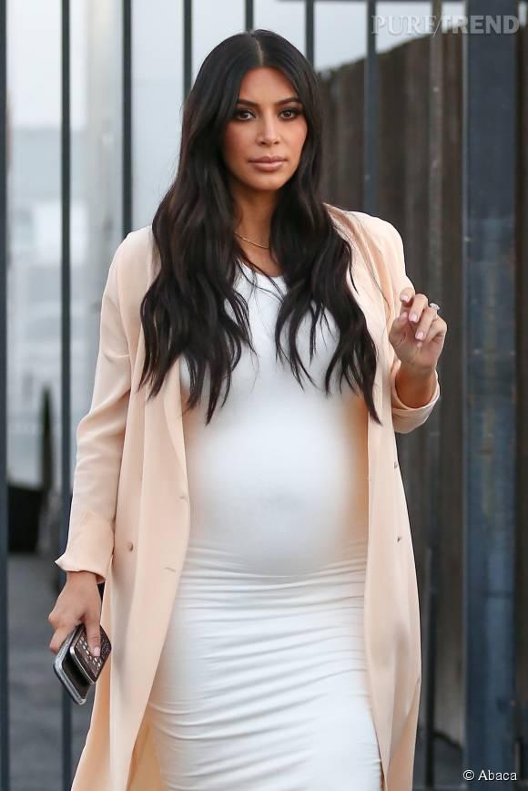 Kim Kardashian dans les rues de Los Angeles le 27 juillet 2015.
