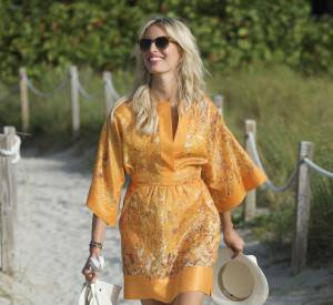 Karolina Kurkova chic et nature à Miami Beach.