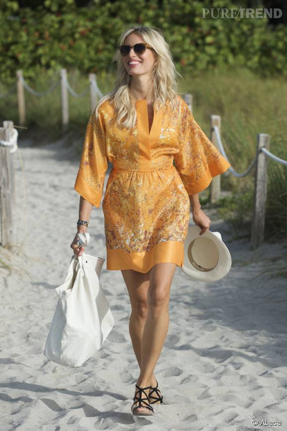 Karolina Kurkova chic et nature à Miami Beach.