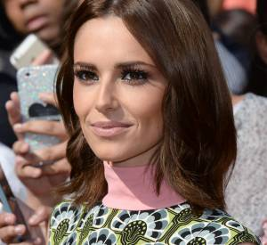 Cheryl Cole a le visage creusé et cela ne plait pas à la presse anglaise qui la critique.
