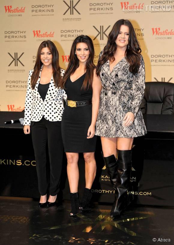 Khloe Kardashian est surtout nettement plus grande que ses soeurs.