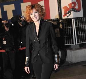 Mylène Farmer en 2011. Retour au noir pour la chanteuse.