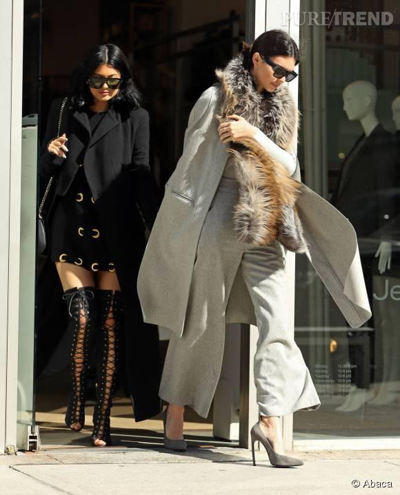 Kendall et Kylie Jenner, deux soeurs très stylées dans les rues de New York, mardi 20 octobre.